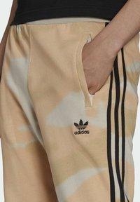adidas Originals - Verryttelyhousut - beige - 3