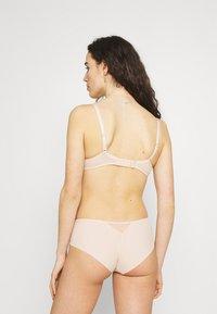 Chantelle - MONTAIGNE  - Underwired bra - rose sable - 2