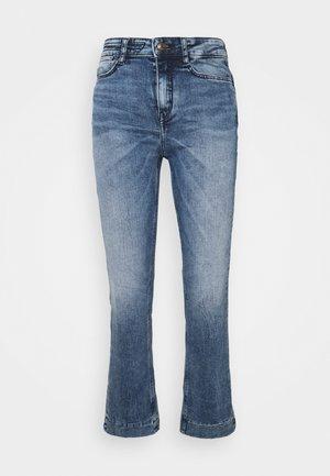 SPEAK - Flared Jeans - blau
