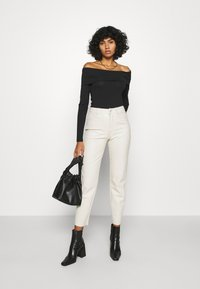 Vero Moda - VMPANDA OFF SHOULDER - Long sleeved top - black - 1