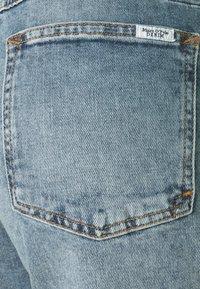 Marc O'Polo DENIM - FREJA BOYFRIEND - Relaxed fit jeans - light blue - 2