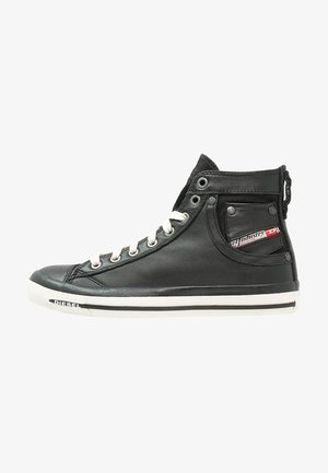MAGNETE EXPOSURE IV - High-top trainers - black