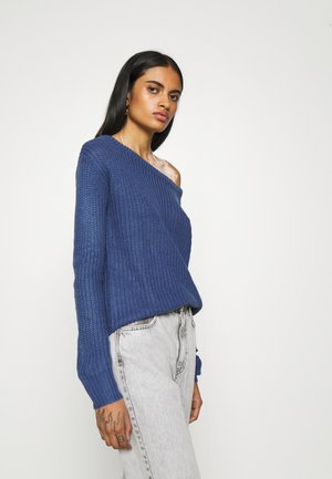 OPHELITA OFF SHOULDER JUMPER - Strikkegenser - blue