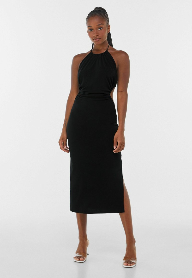 Bershka - WITH CUT-OUT AND OPEN BACK  - Cocktailklänning - black