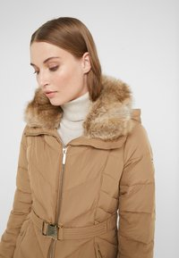 MICHAEL Michael Kors - FITTED PUFFER - Down jacket - dark camel - 4