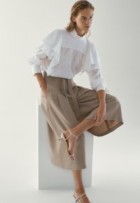 Massimo Dutti - MIT SCHLEIFE - Pantalon classique - brown - 2