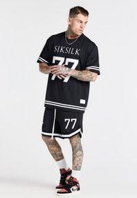 SIKSILK - AOKI BASEBALL - Shorts - black/white - 1