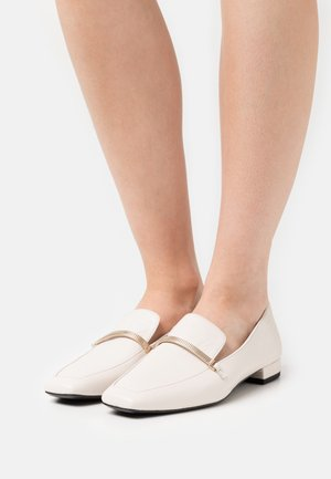 LAYLA - Loaferit/pistokkaat - offwhite
