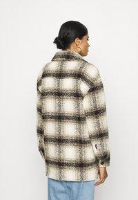 ONLY - ONLALLISON CHECK SHACKET - Winter jacket - pumice stone/black - 2