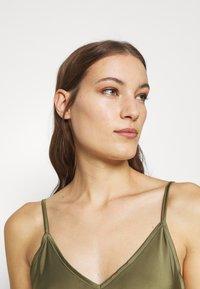AllSaints - BENNO TEE DRESS SET - Long sleeved top - pale olive - 5