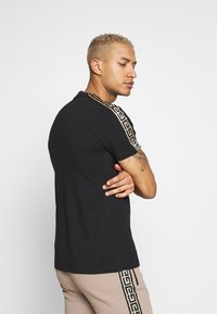 Glorious Gangsta - DAPOLI - Print T-shirt - black - 2