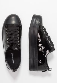 Calvin Klein Jeans - ZOLAH - Trainers - black - 3