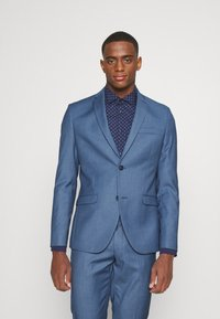 Isaac Dewhirst - THE FASHION SUIT NOTCH - Puku - blue - 2