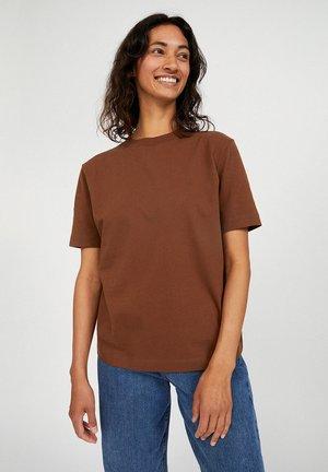 TARAA - Basic T-shirt - cacao