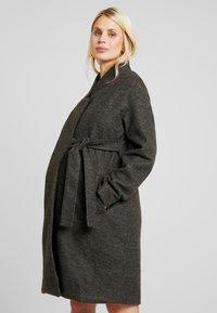 MAMALICIOUS - MLHAZE COAT - Płaszcz wełniany /Płaszcz klasyczny - dark grey melange - 0