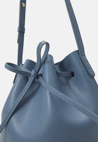 Mansur Gavriel - MINI BUCKET - Handbag - pioggia - 7