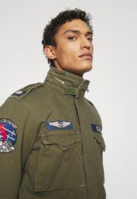 Polo Ralph Lauren - HERRINGBONE FIELD JACKET - Summer jacket - soldier olive - 3
