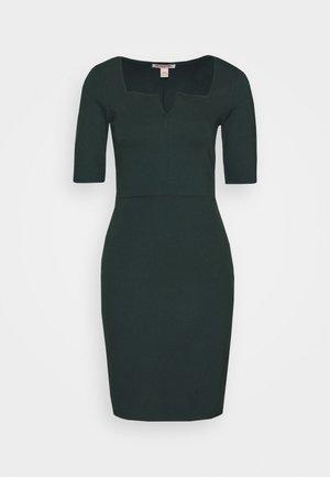 Shift dress - scarab