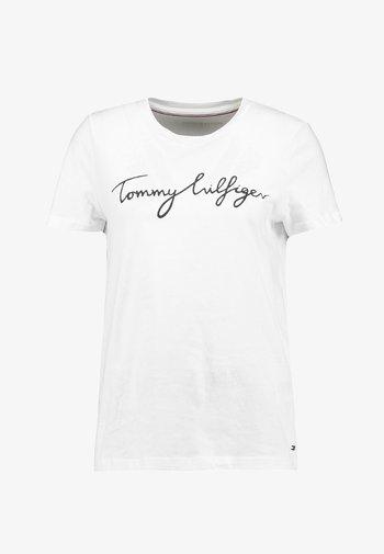 HERITAGE CREW NECK GRAPHIC TEE - Camiseta estampada - classic white