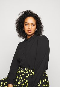 Vero Moda Curve - VMAYA - Button-down blouse - black - 3