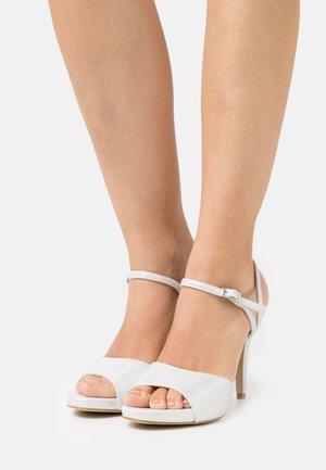 Sandaler - ivory