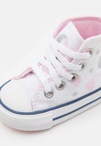 Converse - CHUCK TAYLOR ALL STAR - Zapatillas altas - white/pink/silver - 5
