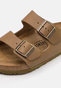 Birkenstock - ARIZONA - Pantofole - natura mud green - 5