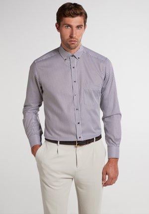 MODERN FIT - Formal shirt - braun/weiß