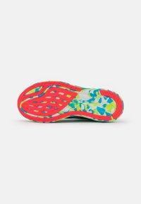 ASICS - NOOSA TRI 13 - Competition running shoes - hazard green/digital aqua - 4