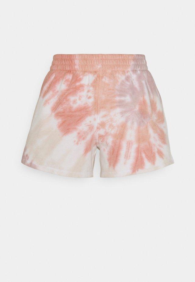 SUNDAY WARM WASH - Szorty - pink wash