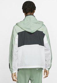 Nike Sportswear - NSW NIKE AIR  - Outdoor jacket - silver pine/black/white - 2