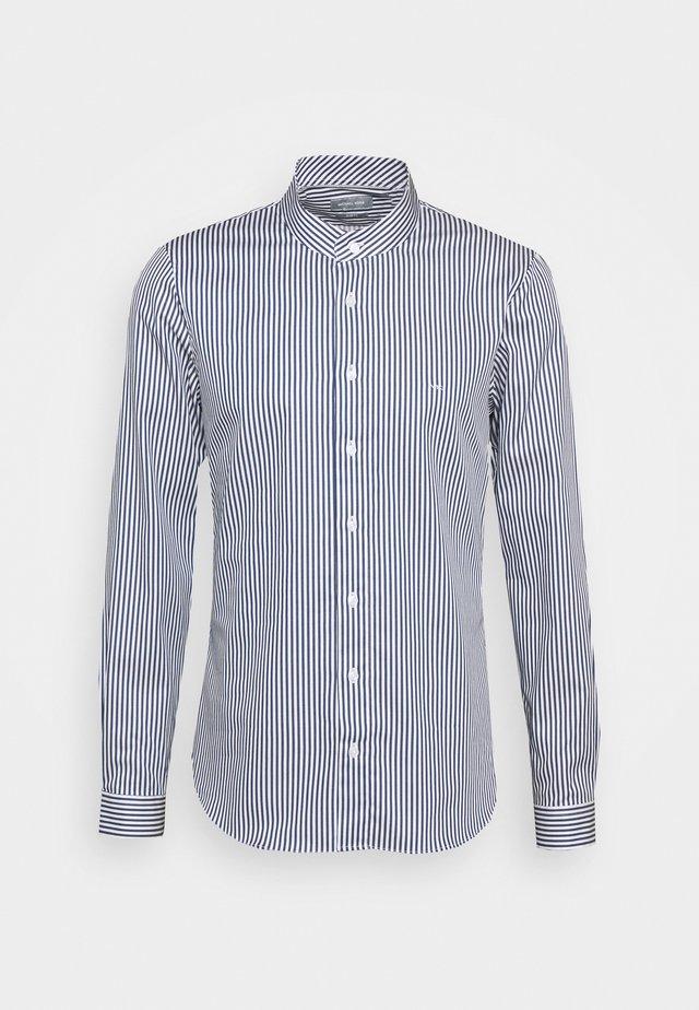 STRIPE STRETCH SLIM SHIRT - Zakelijk overhemd - estate blue