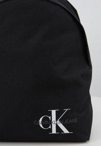 Calvin Klein Jeans - ROUNDED - Rucksack - black - 4