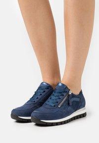 Gabor Comfort - Sneakers laag - river/jeans - 0