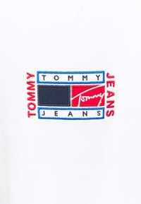 Tommy Jeans - TIMELESS CREW  UNISEX - Sweatshirt - white - 5