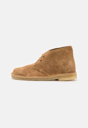 DESERT BOOT - Casual lace-ups - nutmeg