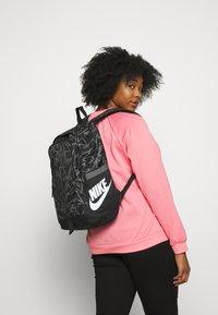 Nike Sportswear - ALL ACCESS SOLEDAY - Sac à dos - black/iron grey/white - 4