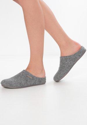 CILLA - Tohvelit - grey