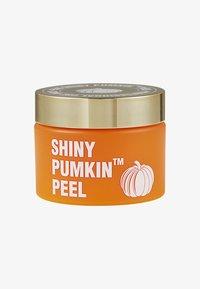 V Fau - SHINY PUMKIN PEEL™ - Face scrub - - - 0