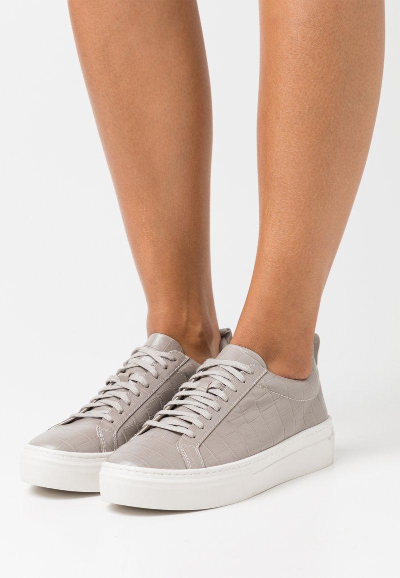 Vagabond - ZOE PLATFORM - Sneakers - grey