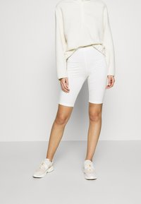 esmé studios - PAM SHORT LEGGINGS - Shorts - white - 2