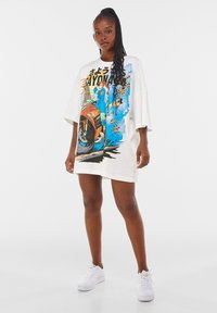 Bershka - Print T-shirt - white - 4