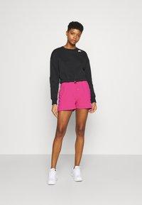 Nike Sportswear - AIR - Shorts - fireberry/(white) - 1