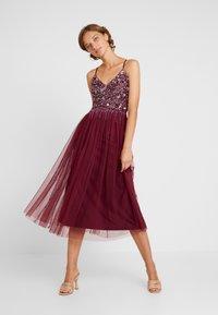 Lace & Beads - RIRI MIDI DRESS - Cocktail dress / Party dress - burgundy - 2