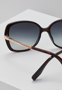 Marc Jacobs - Sonnenbrille - mottled dark brown - 2