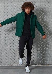 Superdry - Down jacket - pine/black - 0