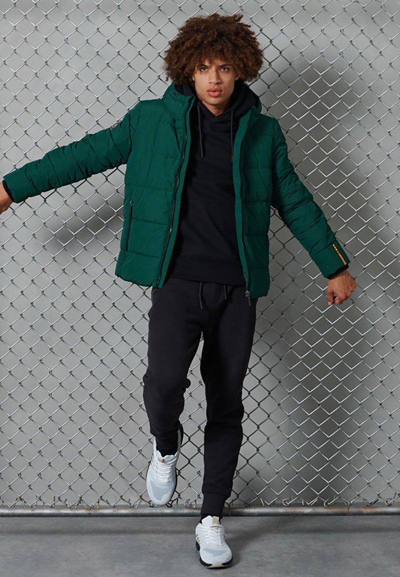 Superdry - Down jacket - pine/black