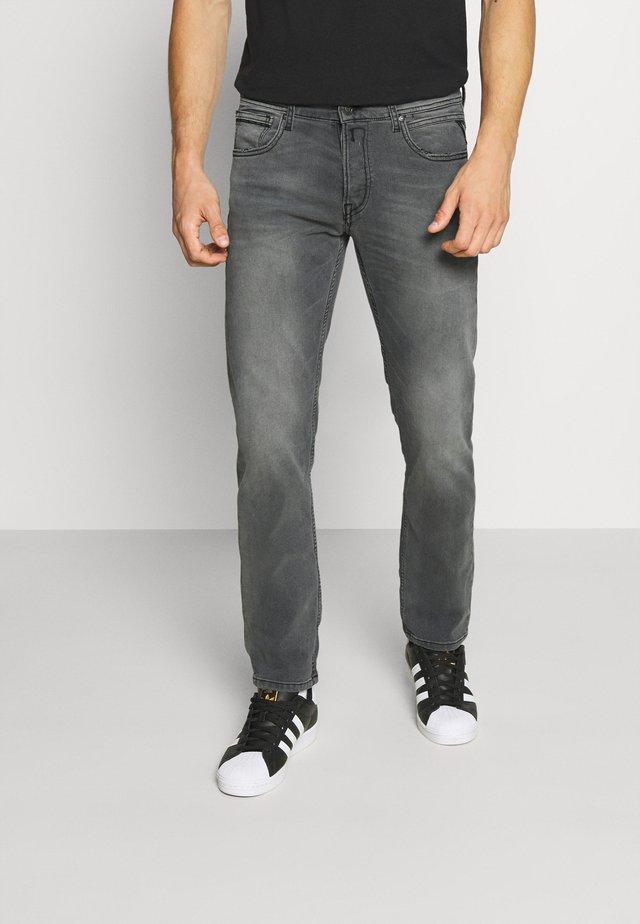 GROVER - Straight leg jeans - medium grey