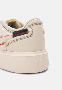 Puma - OSLO MAJA  - Zapatillas - white gum - 7