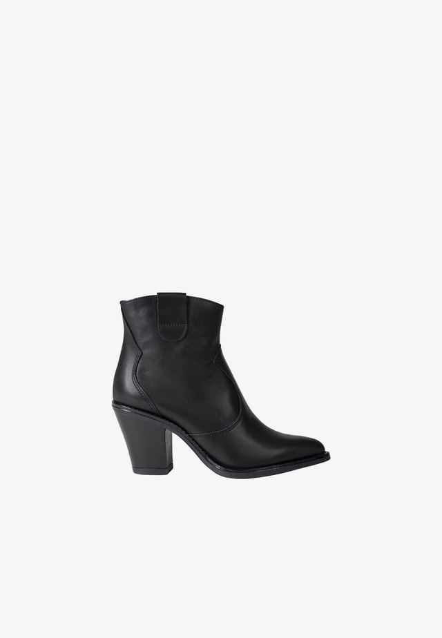 ISSA - Ankle boots - black